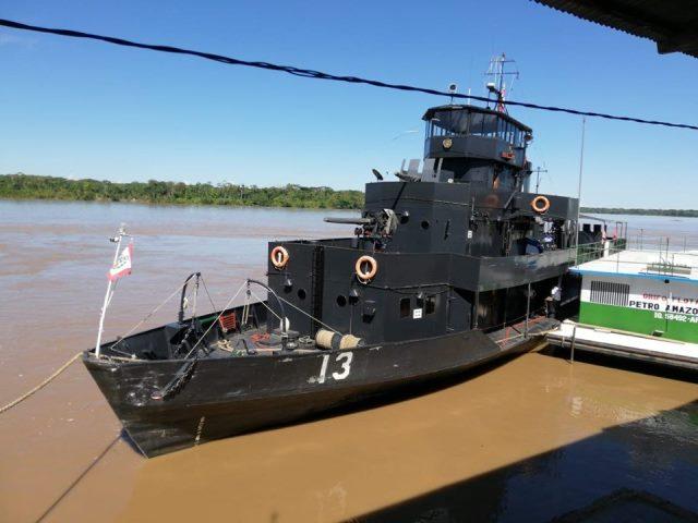 Llegan buques de la Marina de Guerra al puerto de San Lorenzo