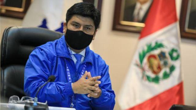 Presidente de EsSalud advierte presuntas irregularidades en compras de la gestión anterior durante la pandemia