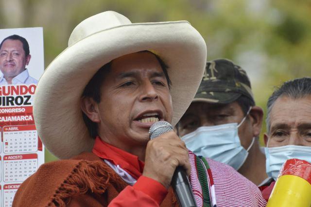 Pedro Castillo fue remunerado pese a afirmar que renunciaría a su sueldo de presidente