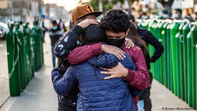 Coronavirus hoy: Perú vuelve a batir su récord mensual de muertes