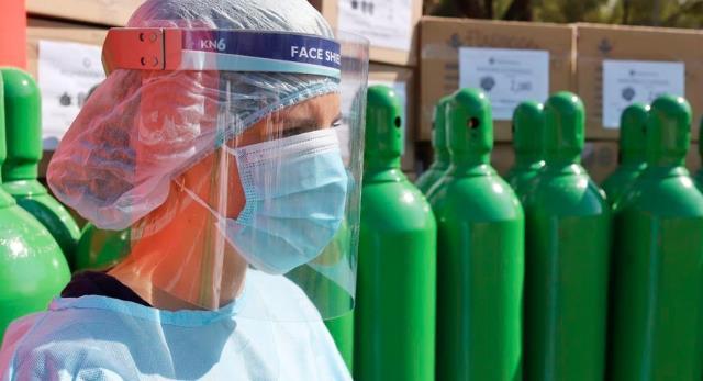 Oxígeno importado de Chile llega este fin de semana, anuncia ministro Ugarte