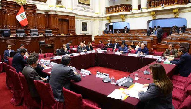 Debate de adelanto de elecciones se extiende hasta mes de octubre