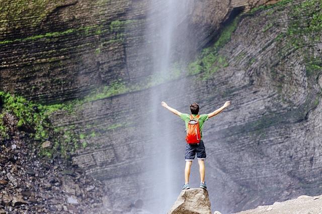 Mincetur aprueba el protocolo sanitario sectorial para turismo de aventura, canotaje, caminata y alta montaña