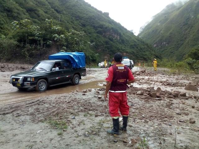 Verificación de trabajos de limpieza en zona de deslizamiento por lluvias - altura del km 286 + 500