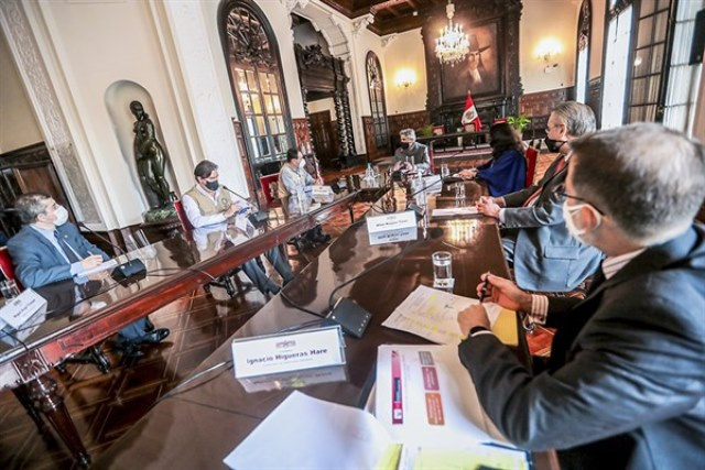Presidente Sagasti brinda total apoyo para observadores