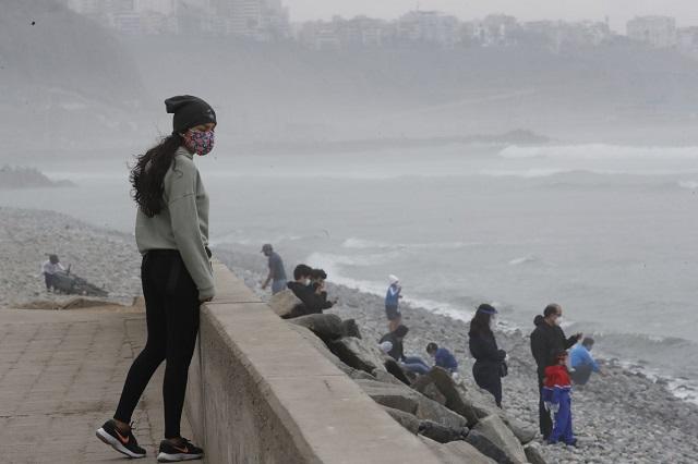 Presidente Vizcarra: uso de playas se permitirá solo de lunes a jueves