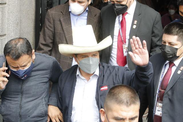 Pedro Castillo: Convocamos a técnicos y personas comprometidas con el país