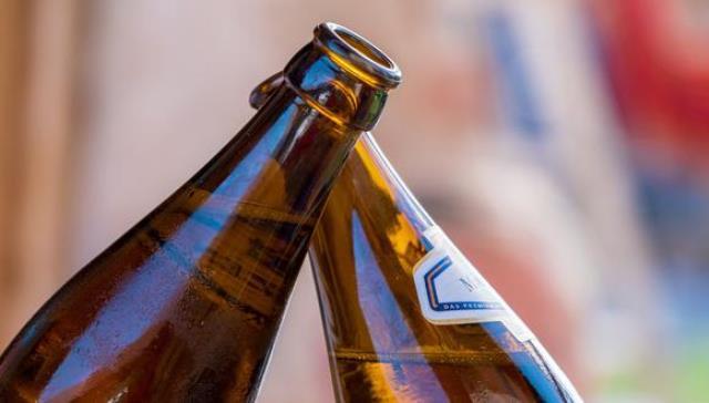 Vacunas COVID-19: ¿beber alcohol después de las dosis podría reducir su eficacia?