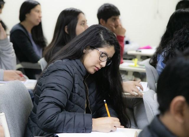 Lanzan becas para estudiar maestría en una de las mejores universidades de Singapur