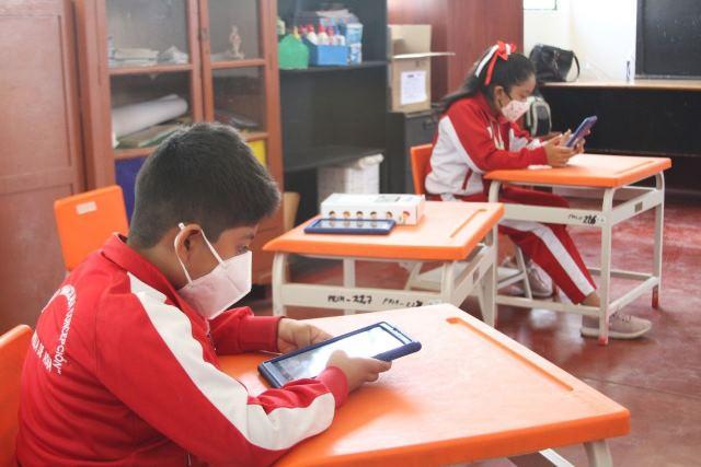Ministro Cuenca: Colegios de zonas urbanas todavía permanecerán cerrados