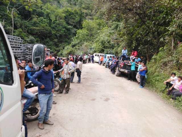 Ciudadanos de Camporredondo y Lonya Grande realizan marcha pacífica de protesta en sector del rio Tullanya
