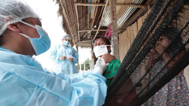 Minsa: Más de 129 600 dosis de la vacuna contra la COVID-19 han sido aplicadas en las comunidades nativas amazónicas
