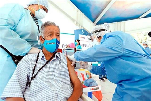 Minsa prevé vacunar a 200,000 en tres días