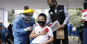 Ministro Ugarte destaca inicio de vacunación contra la COVID-19 de adolescentes