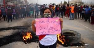 Me explotan más de 8 horas por 36 soles diarios, dice trabajadora durante protesta de Ica