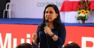"""Ministra de la Mujer: """"Congreso parece un marido pegalón, te pego y luego te extiendo los brazos"""""""