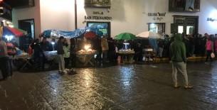 Ambulantes y gusanito ferial invadieron la plaza mayor de nuestra ciudad
