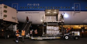 Llega al Perú lote de 350,000 vacunas de Pfizer contra la covid-19