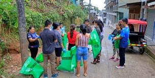 Red de Salud y Municipalidad provincial de Condorcanqui, propician campaña de recojo de inservible de potenciales criaderos de zancudos
