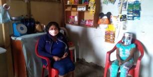 Niña con discapacidad emprende negocio con su madre para mejorar su calidad de vida