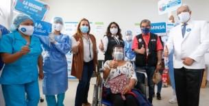 Perú acelera vacunación para poder iniciar este mes la protección de los mayores de 60 años